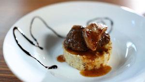 Joue de veau braisée, couronnée de foie gras poêlé et réduction de Pedro Ximénez
