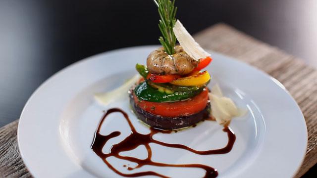 Recette fricass e de l gumes grill s copeaux de parmesan et r duction de balsamique d andr - Recette legumes grilles au four ...