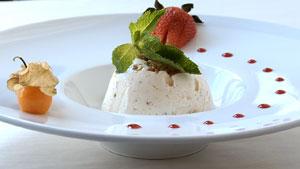 Nougat glacé aux pistaches, érable et fruits confits