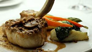 Côte de porc Nagano en croûte de pistaches