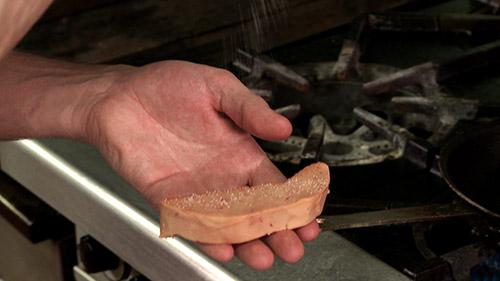 14_assaisonner_foie_gras.jpg