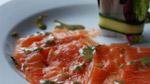 Gravlax de saumon frais à l'aneth, sauce moutarde à l'aneth et érable