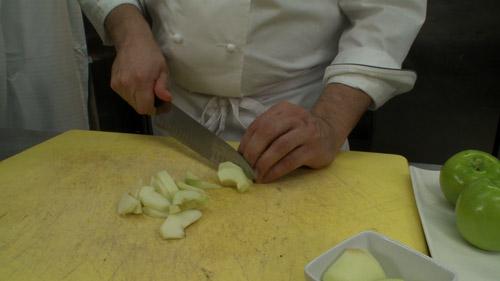 Recette tarte aux pommes et meringue br l e la torche de deff haupt recettes de - Couper des pommes en lamelles ...
