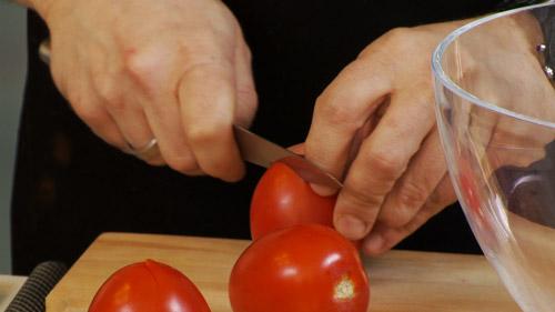 04_entaille_dans_tomate.jpg