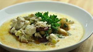 Soupe de poisson au lait et poêlée de chorizo fort, pommes de terre et persil