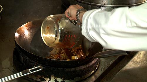 27_poulet_braise_rajoue_sauce.jpg