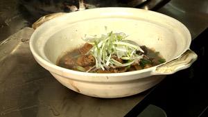 Poulet braisé aux champignons shiitake et pousses de bambou