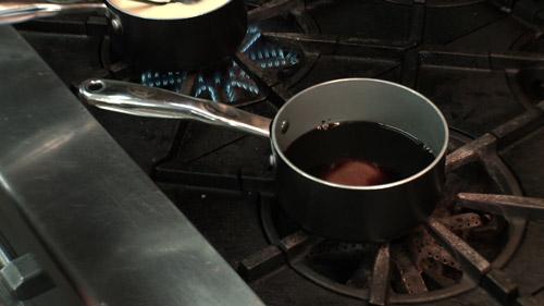 05_dissoudre_sucre_dans_cafe.jpg