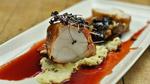 Rôtisson de lotte chemisé de saumon fumé, tombée de champignons sauvages et jus de viande à la betterave