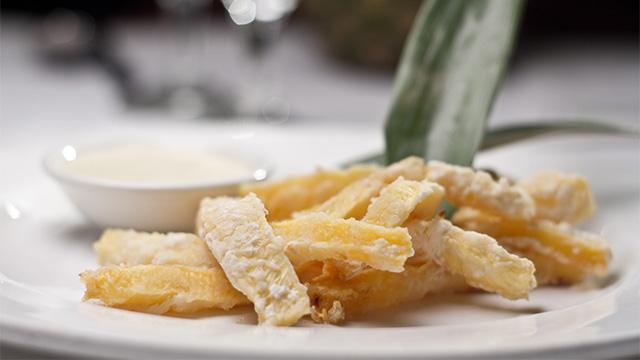 Frites d'ananas, mayonnaise au Jack et à l'érable