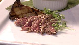Tataki de veau mariné, soya et moutarde de Meaux