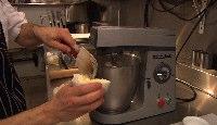 05-ajouter le beurre graduellement.jpg