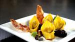 Tortellinis maison, poireaux vinaigrette, échalotes confites au porto