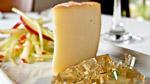 Fromage Fou du Roy de Sainte-Sophie, gelée de cidre de glace, mini-salade de pomme et céleri