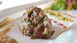 Tartare de cerf rouge de Boileau, mayo aux cèpes, pain grillé au pimenton fumé