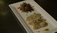 Flétan mariné minute, salade croquante et vinaigrette citron-romarin