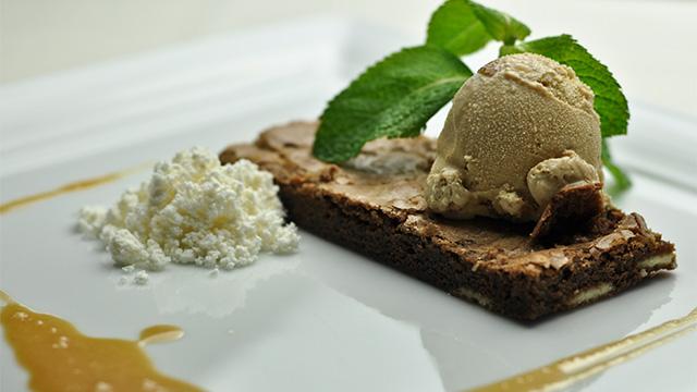 Brownies au chocolat noir et chocolat blanc