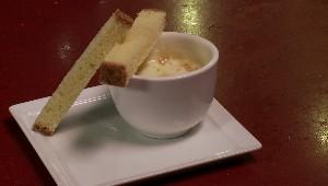 Ramequin au Riopelle et foam à la brioche, caramel à la fleur de sel
