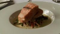 Pavé de saumon en cuisson lente et blanquette de légumes, moutarde et menthe fraîche