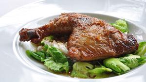 Cuisses de poulet braisées à la sauce soya