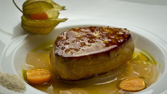 Foie gras poêlé à l'eau de pommes