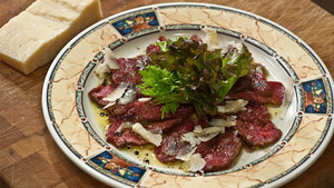 Carpaccio de bœuf et salade au vieux vinaigre balsamique