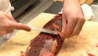 Découpe et cuisson du filet de bison