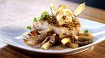 Pavé de morue noire en croûte de pistaches, émulsion de foie gras et salsifis braisés aux pleurotes de Saint-Ours